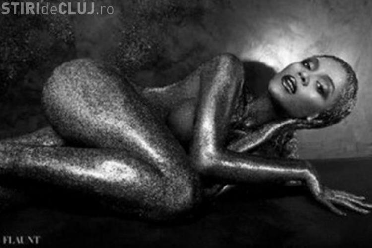 Beyonce a pozat NUD. Vedeta este acoperită cu un strat de sclipici