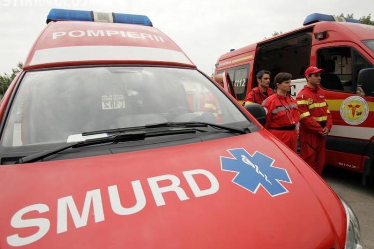 Accident lângă Ambient, în Someșeni. Un șofer a încercat să depășească un biciclist și a lovit o altă mașină