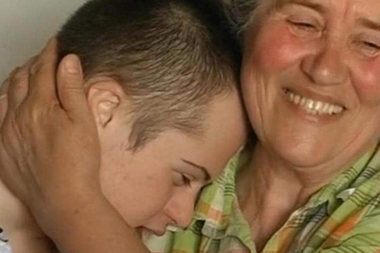 Un elev cu sindrom Down din Cluj și-a luat Bacalaureatul. Mama lui: Mi-au spus că am făcut un monstru - VIDEO