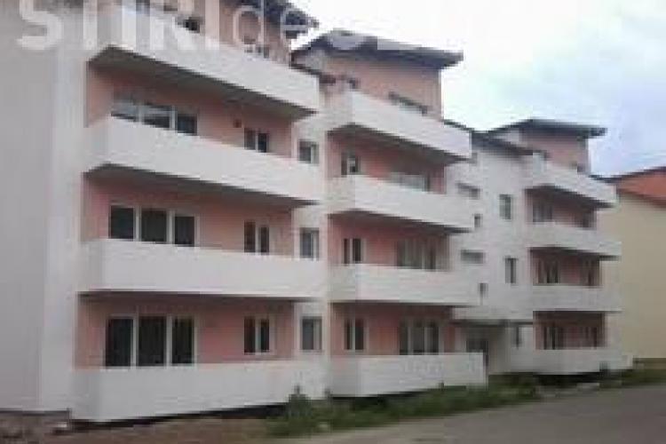 Un copil de doi ani a căzut de la balconul unui apartament din Florești