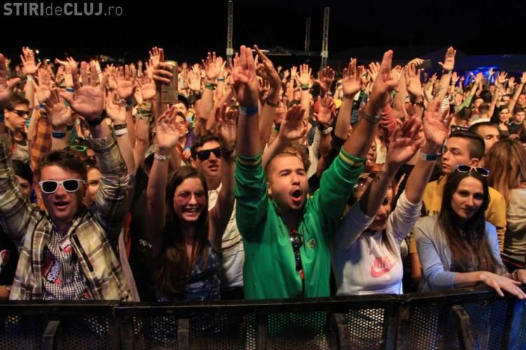15 mii de spectatori, în prima zi, la Festivalul Peninsula. Vedete au fost Kalbrenner și Alborosie - FOTO
