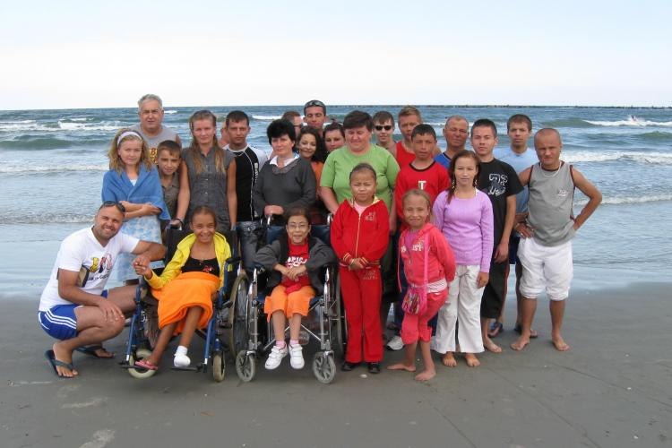 Asociația condusă de un clujean a dus la MARE 36 de tineri cu suferinţă renală cronică!  - FOTO
