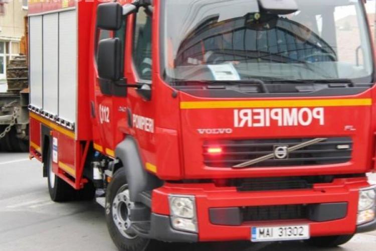 Incendiu în localitatea Sânmărghita. o cabană a ars până la temelii