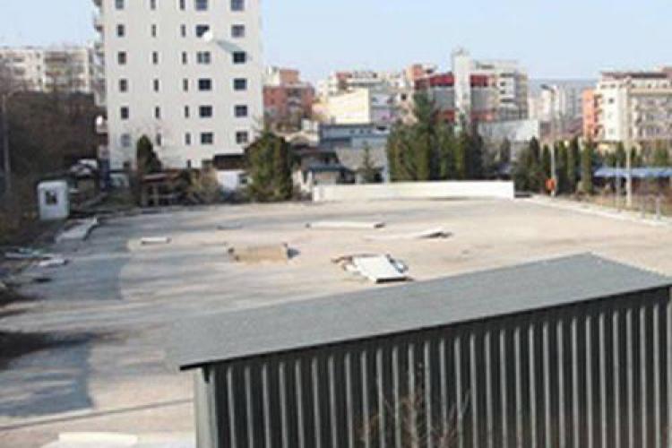 Un clujean se plânge municipalității de romii care locuiesc în ilegalitate pe strada Teodor Mihali
