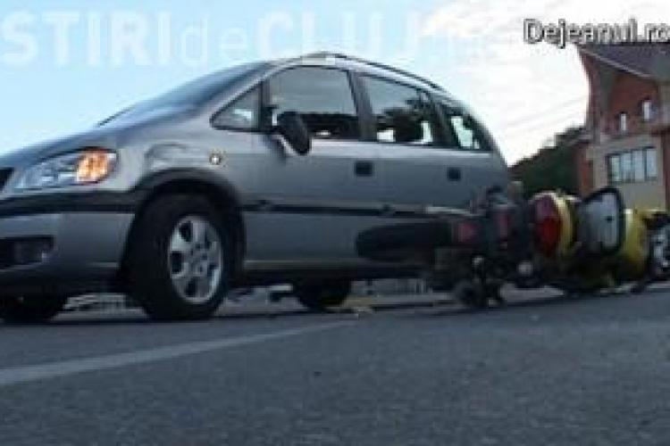 Accident la Dej: Un motociclist băut și fără permis a intrat într-o mașină VIDEO