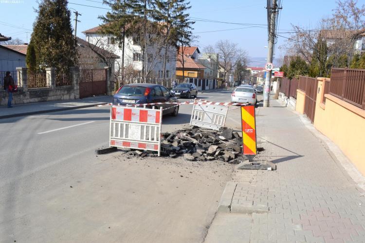 Strada Republicii, spartă de E.ON Gaz. Cât durează COȘMARUL și pe ce porțiune se lucrează?