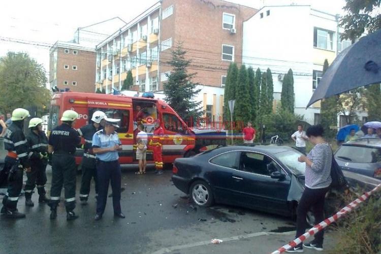 Accident în Mănăștur, la intersectia străzilor Taberei și Tasnad - FOTO