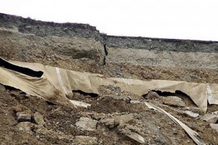 Stradă evacuată în Turda din cauza alunecărilor de teren