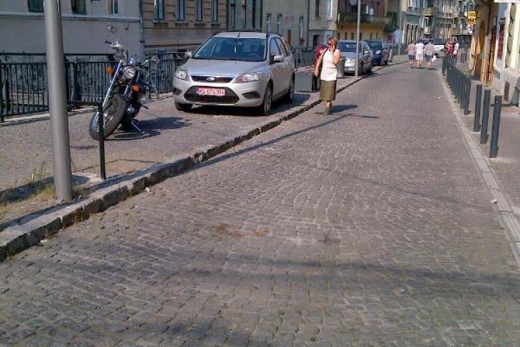 Liberalii îl atacă pe Boc: Zona centrală e mai puțin pietonală și mai mult parcare - FOTO