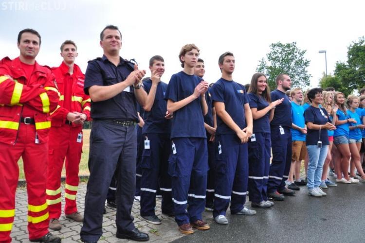 Elevii voluntari din Cluj se antrenează autospeciale de 280.000 de euro FOTO
