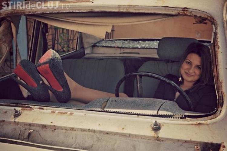 Două românce le-au UMILIT pe pițipoancele cu Ferrari - FOTO