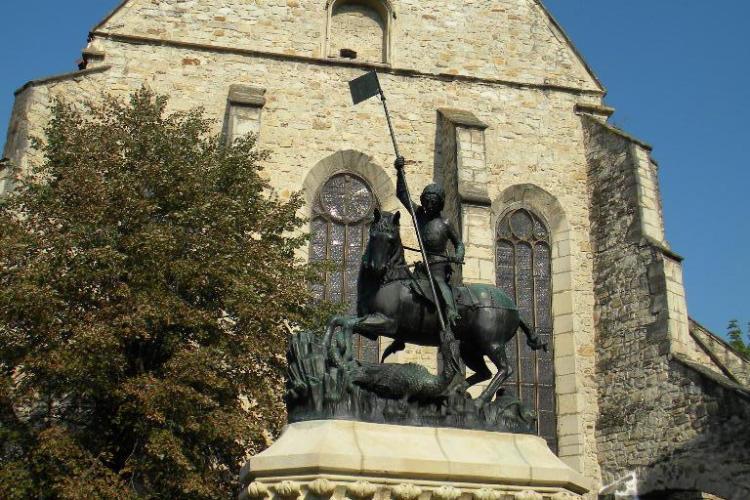 Statuia Sf. Gheorghe a fost restaurată - Galerie FOTO