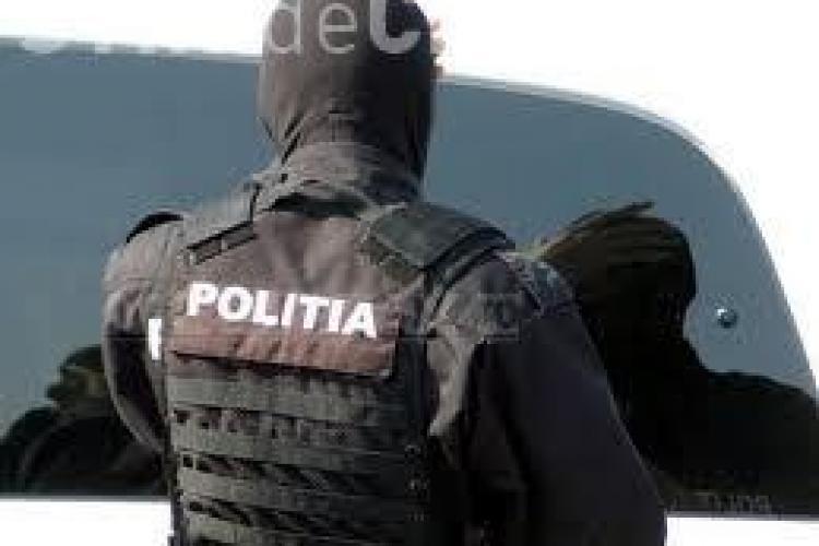 ZECE angajați de la Scutul Negru, reținuți de Poliție pentru bătaia din față de la Janis Stuf