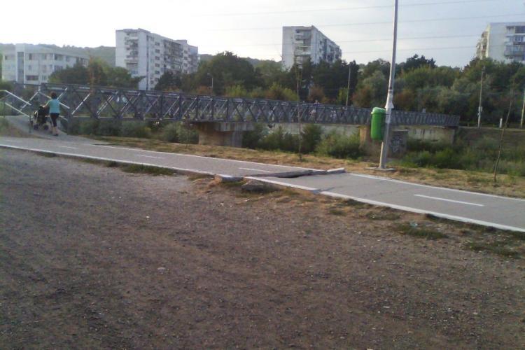 Bicicliștii reclamă DEGEABA că pista de la Sala Sporturilor a crăpat - FOTO