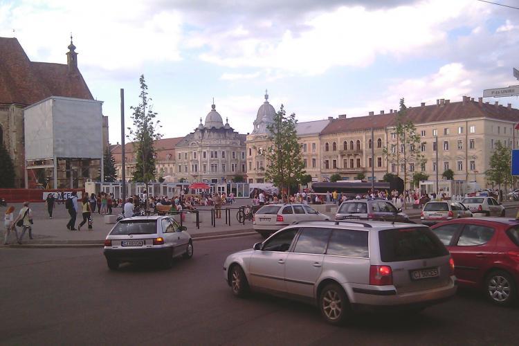 Restricţii de circulaţie în 8 august, în Piața Unirii