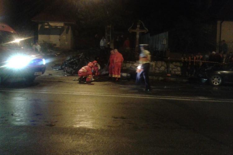 Accident mortal la iesire din Turda. Un BMW și un AUDI făceau LINIUȚE. UPDATE: Alte 13 persoane au fost rănite  - FOTO
