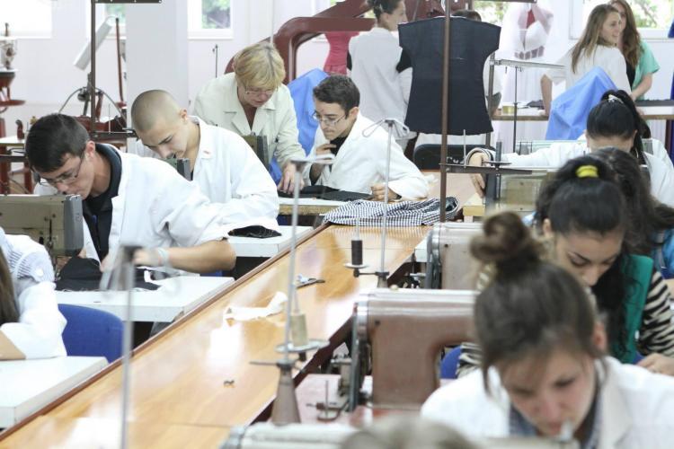 Atelier de creație vestimentară inaugurat la Colegiul Tehnic Napoca