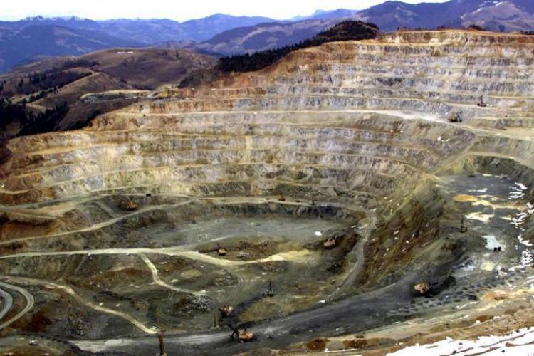 Citește proiectul de lege privind exploatarea de la Roșia Montană