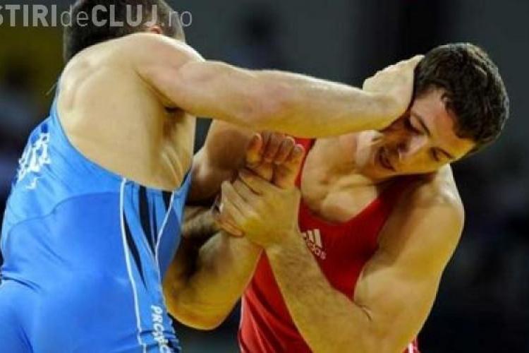 Doi clujeni participă la Campionatul Mondial de Lupte de la Budapesta