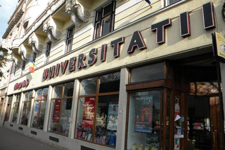 Librăria Universității DISPARE din centru și apare o nouă BODEGĂ - FOTO