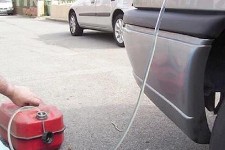 Cum îți pot fura hoții benzina din rezervor în câteva secunde. Ce model este cel mai EXPUS