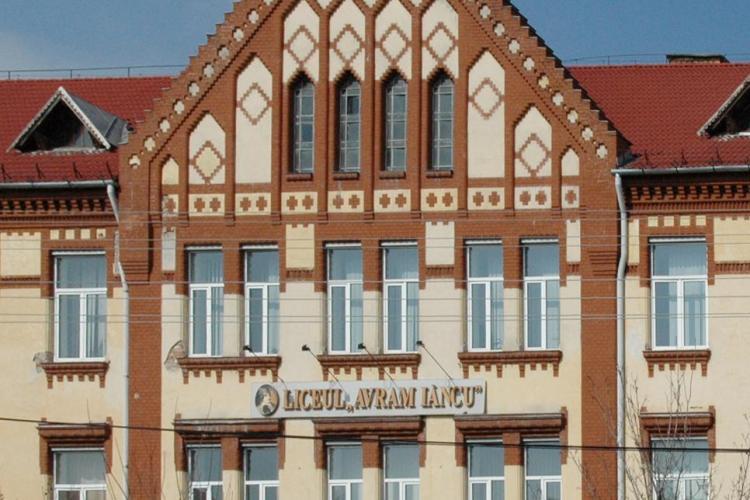 După 20 de ani, Liceul Avram Iancu este modernizat. Cât investește Primăria Cluj-Napoca în școli
