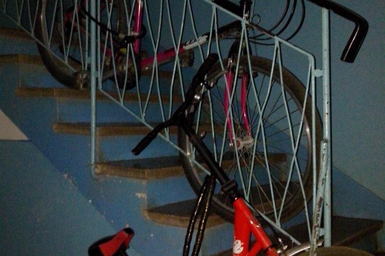 Un clujean cere garaje tip parking pentru biciclete