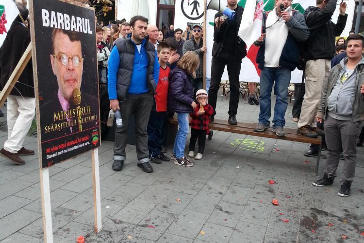 2.000 de oameni protestează la Cluj împotriva proiectului de la Roșia Montană - FOTO