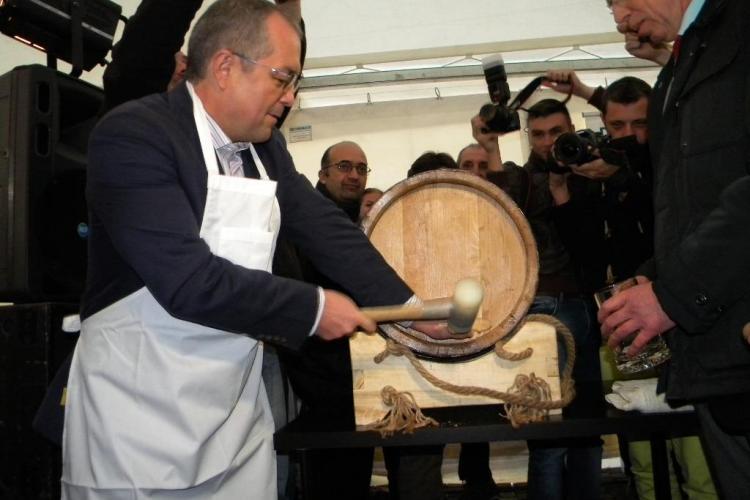 Boc și Uioreanu au băut bere la Festivalul de toamnă al economiei germane - VIDEO și FOTO