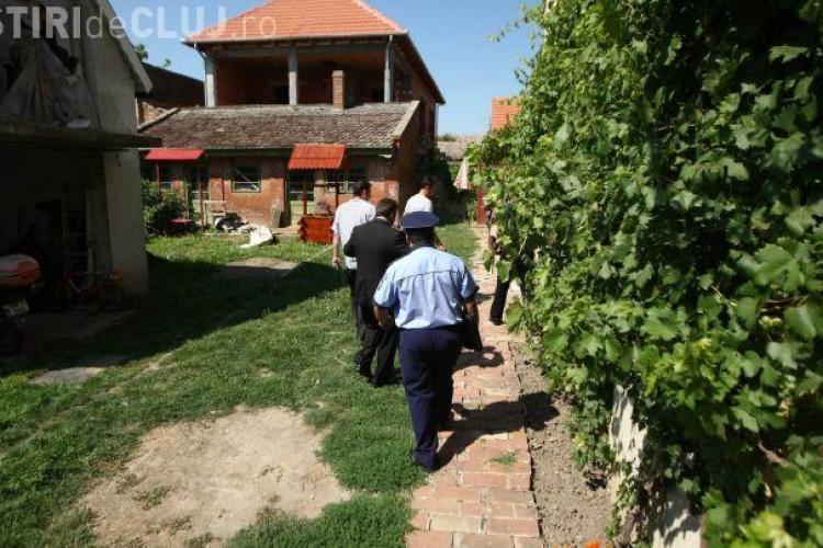 Un bărbat din Gherla a fost găsit spânzurat în casă