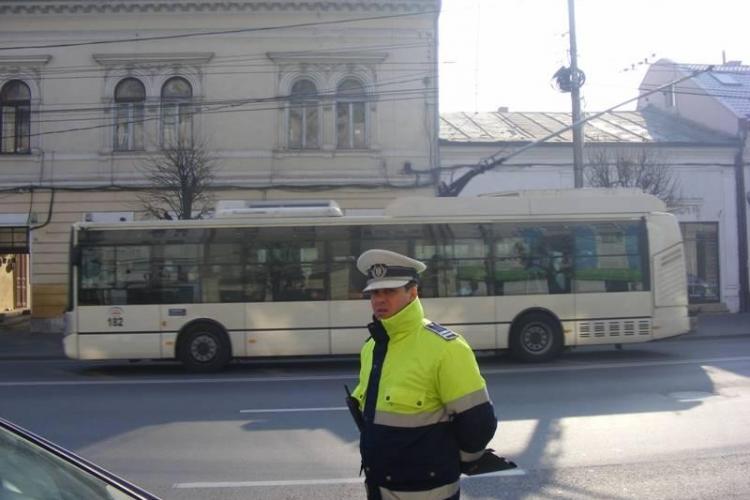 Ce spune Poliția Cluj despre CURAJUL agentului Sergiu Todea, care și-a amendat șeful? Legea e pentru FRAIERI