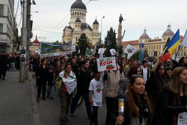 Jandarmii au folosit la Cluj gaze lacrimogene la protestul ANTI - Roșia Montană: A fost o greșeală!