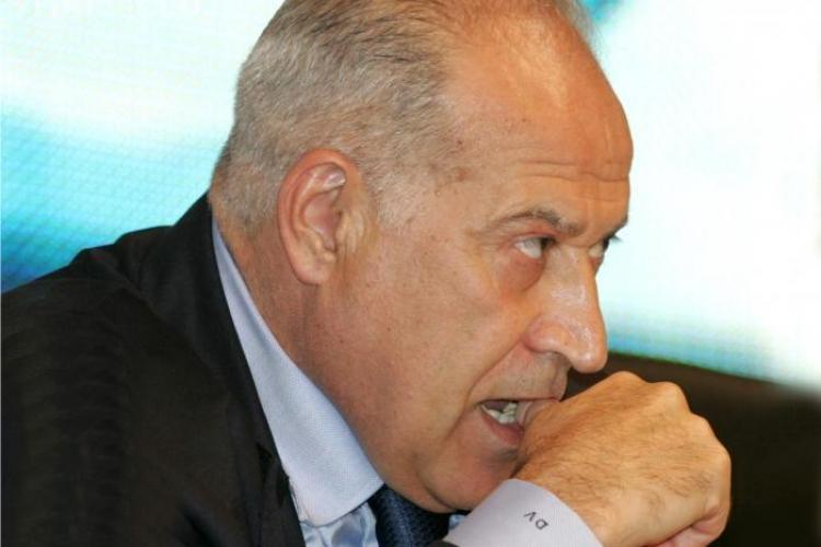 """Dan Voiculescu vrea demisia lui Băsescu: """"A încălcat grav Constituția"""""""
