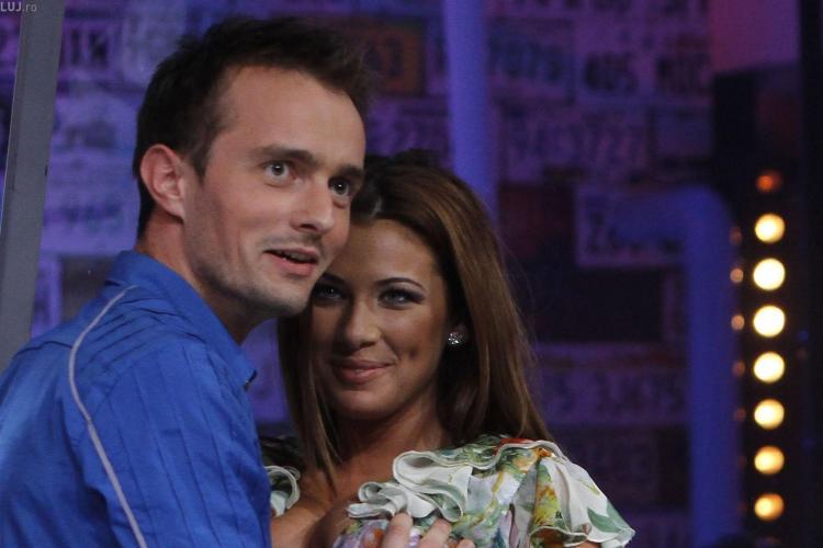 Roxana Vancea se sărută cu Bendeac și se lasă pipăită de altul - FOTO