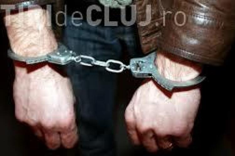 Trafic de influență la CFR: Un clujean a primit 10.000 de euro și un inel de aur pentru a interveni pe lângă șefi