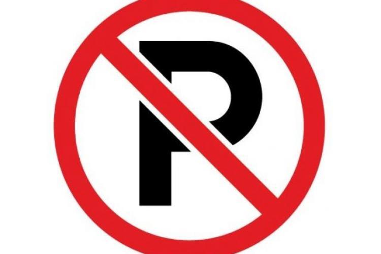 """Propunerea unui clujean pentru Primărie: """"Desființarea indicatoarelor de parcare interzisă"""""""