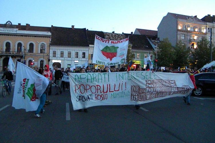 Protestatarii ANTI Roșia Montană l-au sfidat pe Ponta și au mărșăluit pe străzile Clujului - FOTO