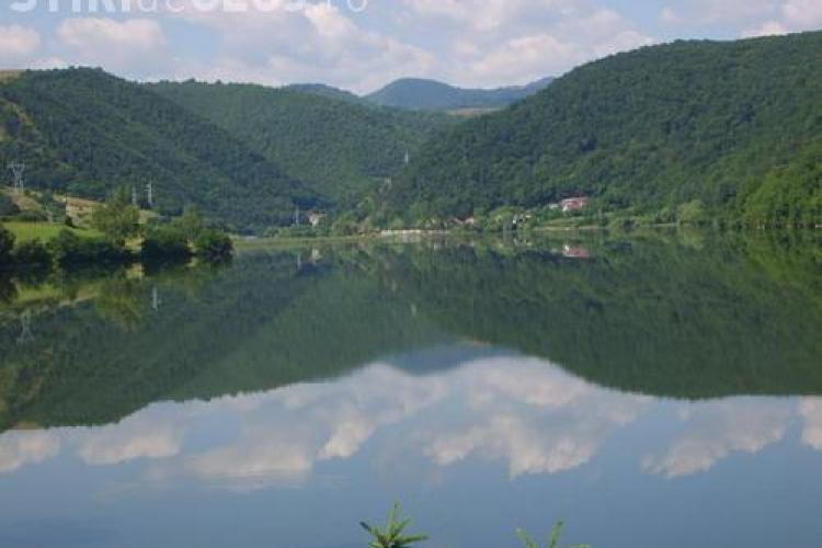 Persoană înecată la Tarnița. Se intervine cu o echipă de scafandri