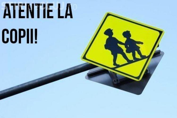 Pilotul Bogdan Marișca îi avertizează pe șoferi: Atenție la copii! Rulați cu 30 km/h în zona școlilor și puteți salva o viață!