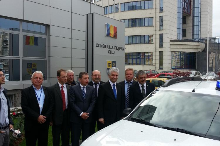 Poliția Cluj a primit două Duster -uri din partea Consiliului Județean Cluj pentru patrulări
