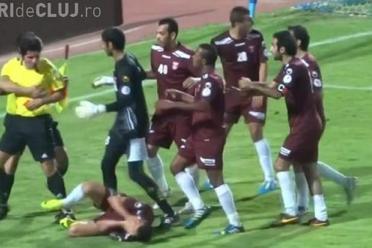 CLIPUL ZILEI: Un arbitru a făcut KO un jucător în timpul meciului VIDEO