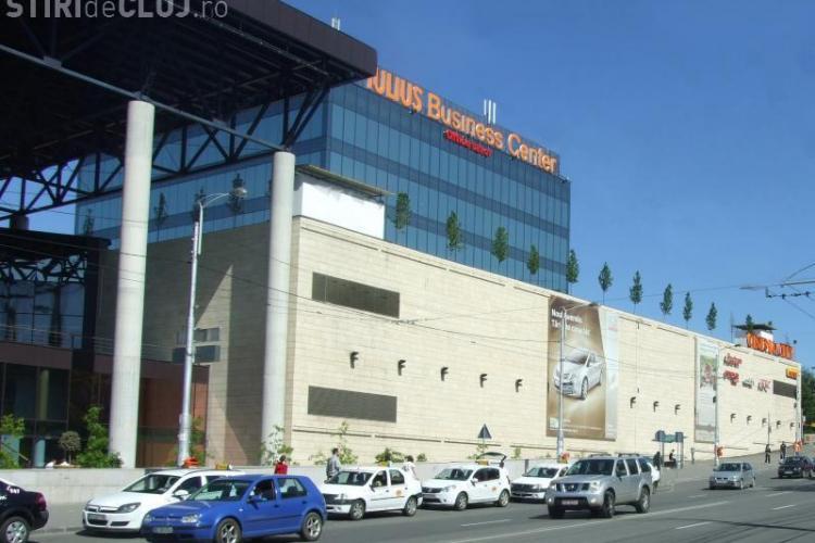 Iulius Mall nu mai construiește două clădiri de birouri, ci doar una și va avea 10 etaje, pentru a nu afecta noul parc - VIDEO