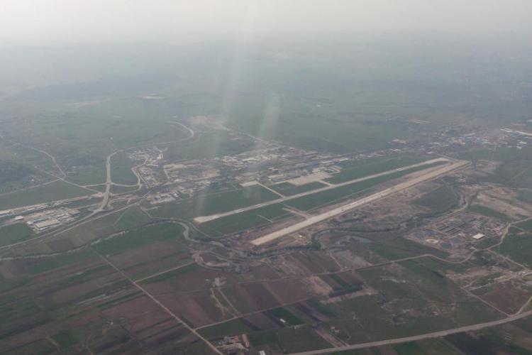 Ponta si Antonescu, primii pasageri care vor ateriza pe noua pista a Aeroportului International Cluj