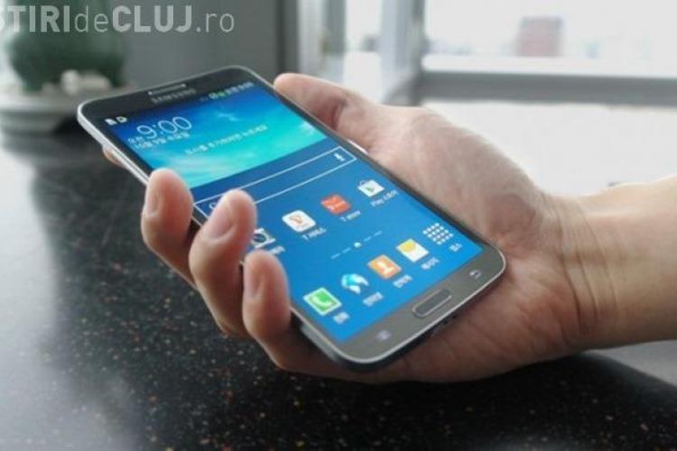 Samsung a lansat oficial telefonul cu ecran curbat VIDEO