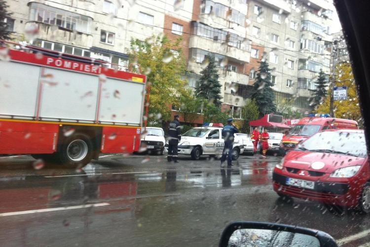 Panică pe Calea Mănăștur, din cauza unui cuptor cu microunde - FOTO
