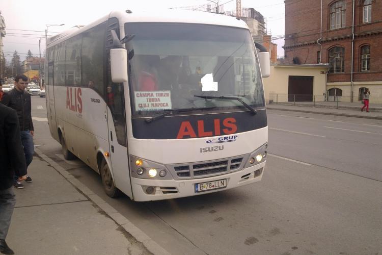 Alis Grup transportă clujeni ca sacii de cartofi - VIDEO de pe rutele Cluj - Turda și Cluj - Câmpia Turzii