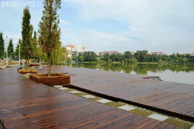 Cum arată noul parc de pe malul lacului Gheorgheni. Pontonul va fi punctul principal de atracție - FOTO