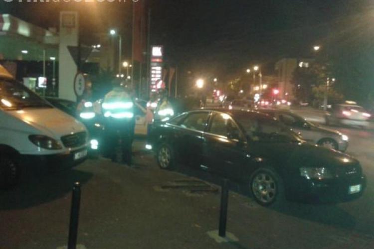 O șoferiță a parcat, blocând ambulanța timp de 4 ore