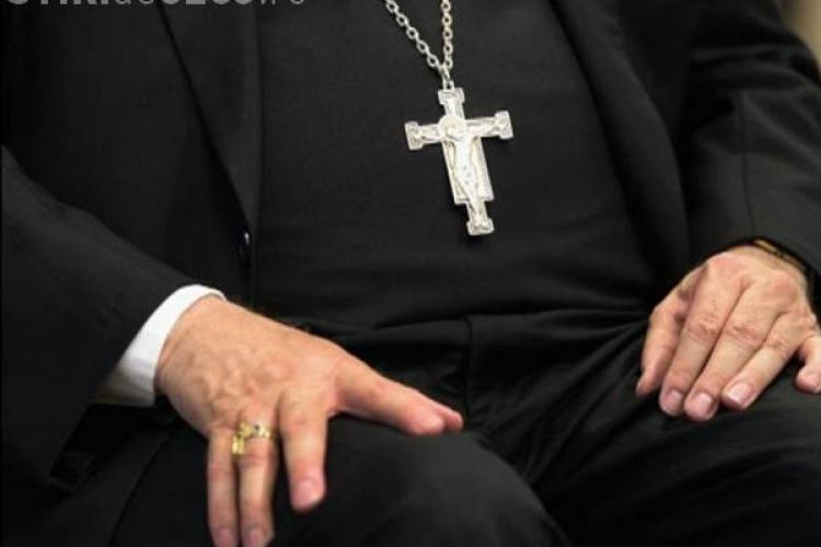 """Preotul din Florești, Ciprian-Titus Rus, dat afară din biserică pentru """"relații nepotrivite"""""""
