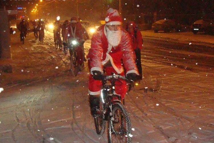 Moș Crăciun pe bicicletă revine la Cluj-Napoca și în 2013! Vezi traseul și cum poți să ajuți - VIDEO